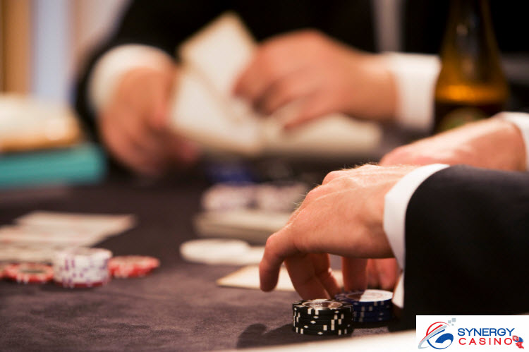 Online-Poker-Varianty-Synergy-Casino-745px